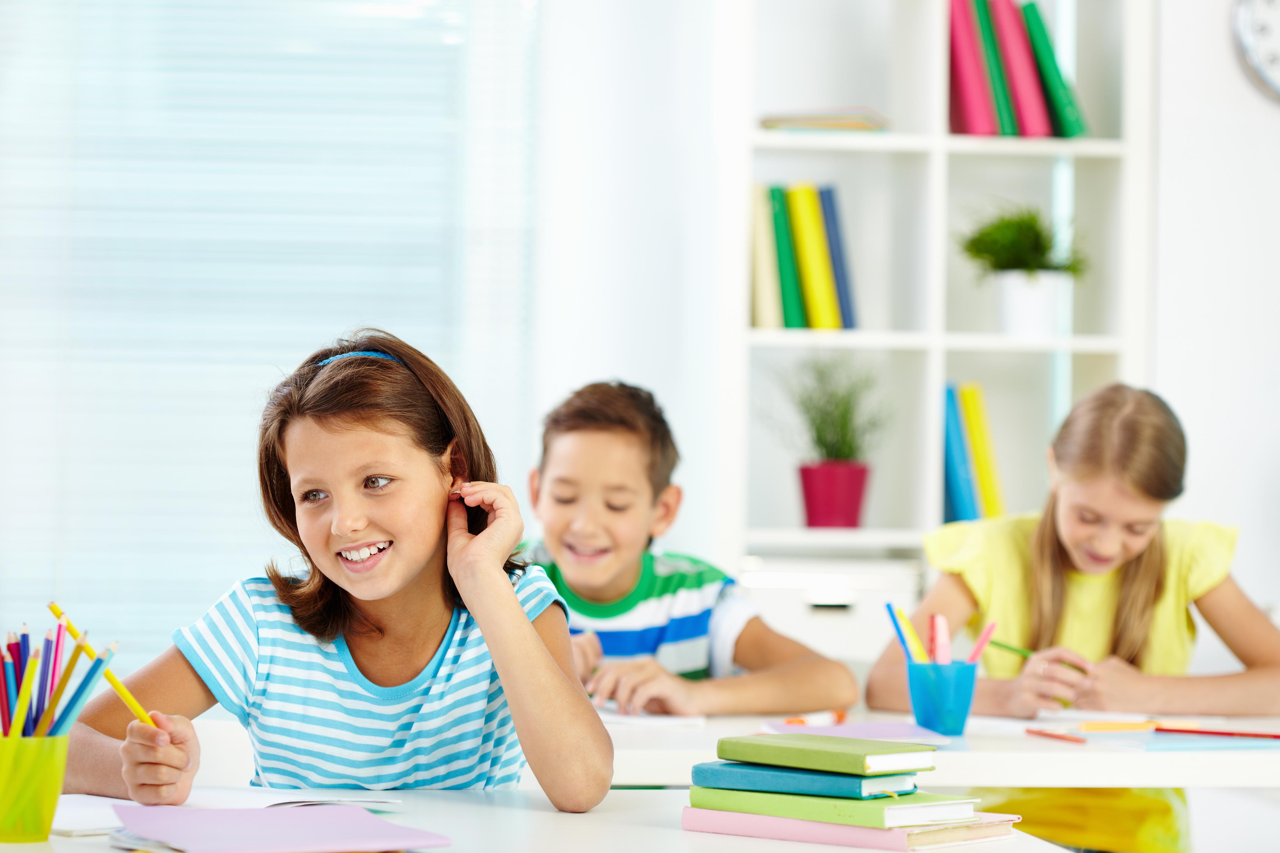 كم هو العمر المناسب لتعلم اللغة الانجليزية؟